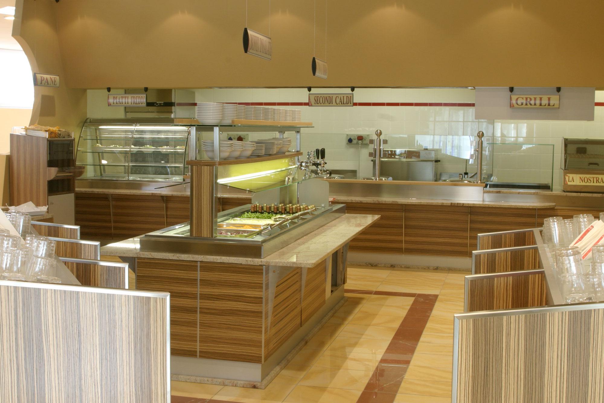 Arredamento ristorante in legno gm group a trento for Trento arredamenti srl