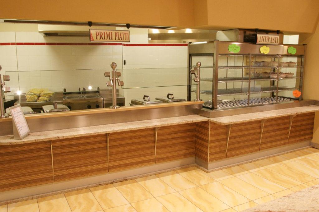 Arredamento ristorante in legno gm group a trento for Orari negozi trento