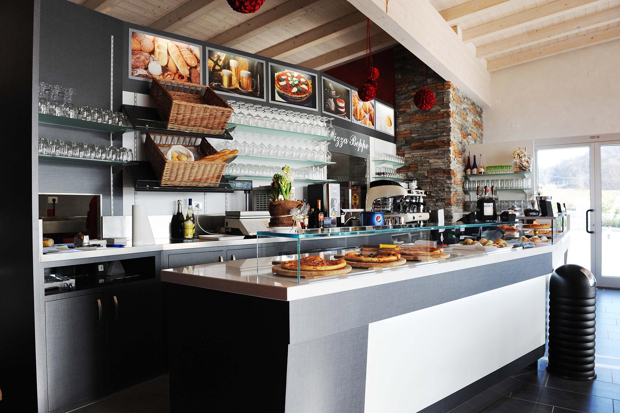 Arredamento contract ristorante pizzeria a verona gm for Pizzeria arredamento