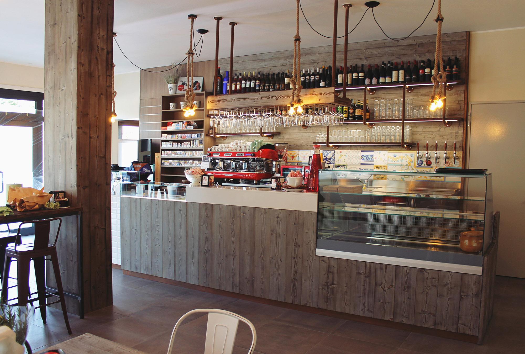 Arredamento bar tabacchi paoletto a venezia gm arredamenti for Arredamento bar tabacchi usato